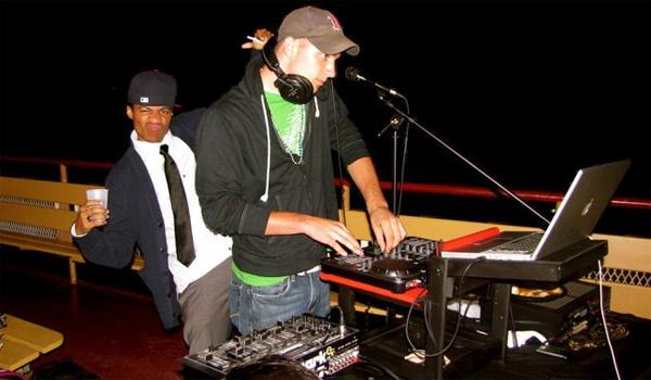 DJ VEE